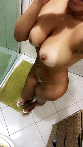 pussy hot picture varona Angie